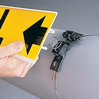 Attaches de marqueur de tuyauterie et accessoires