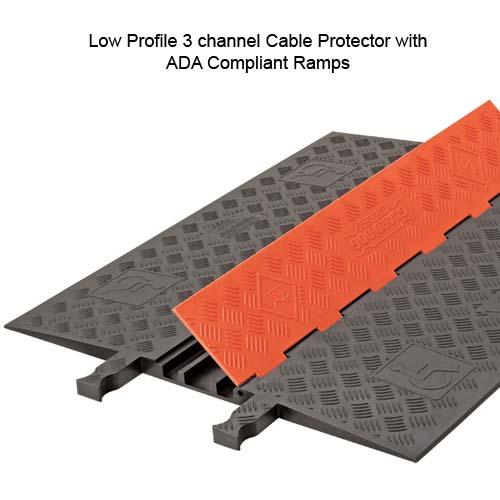 Protecteurs de câbles 3 canaux plats et conformes aux personnes handicapées Guard Dog®