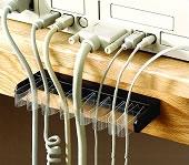 Organisateur de câbles auto réglable