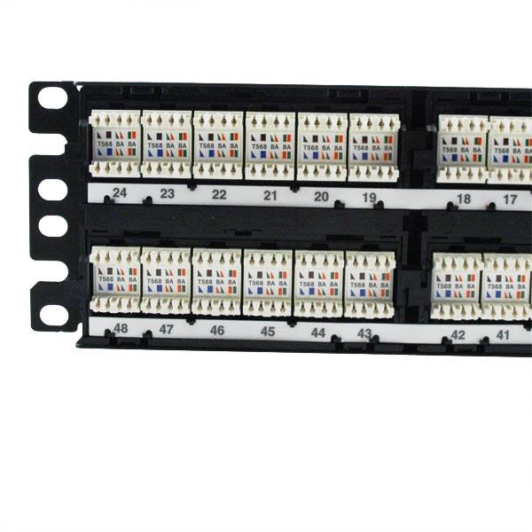 Panneaux de brassage PLUS Panduit®  DP5eT™ et DP6T™